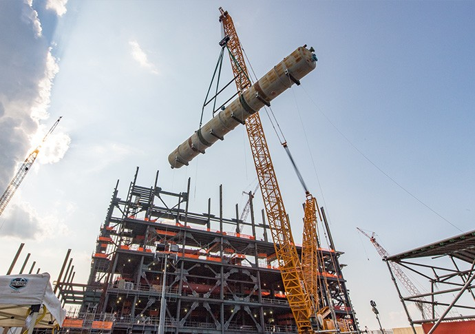 The 300-ton Vogtle Unit 4 deaerator was placed.