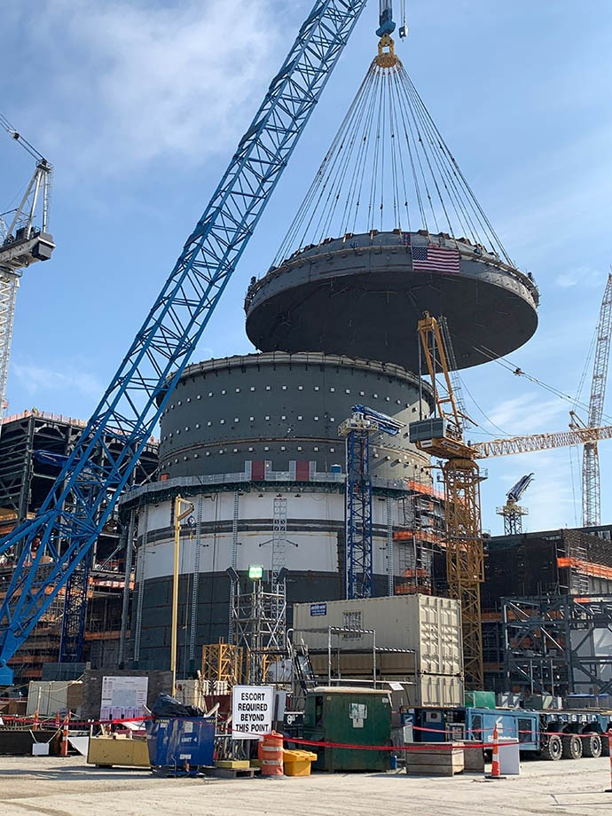 Containment vessel top placed for Vogtle Unit 4