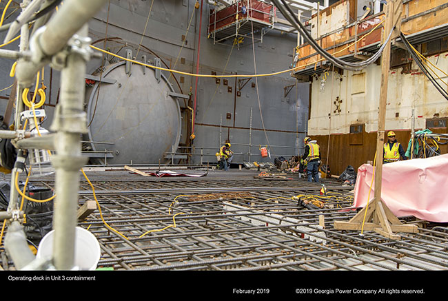 Operating deck in Unit 3 containment