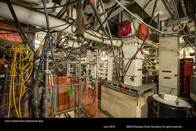 Unit 3 containment maintenance deck