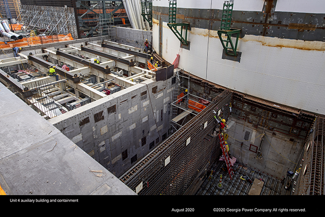 Vogtle Unit 4 auxiliary building and containment